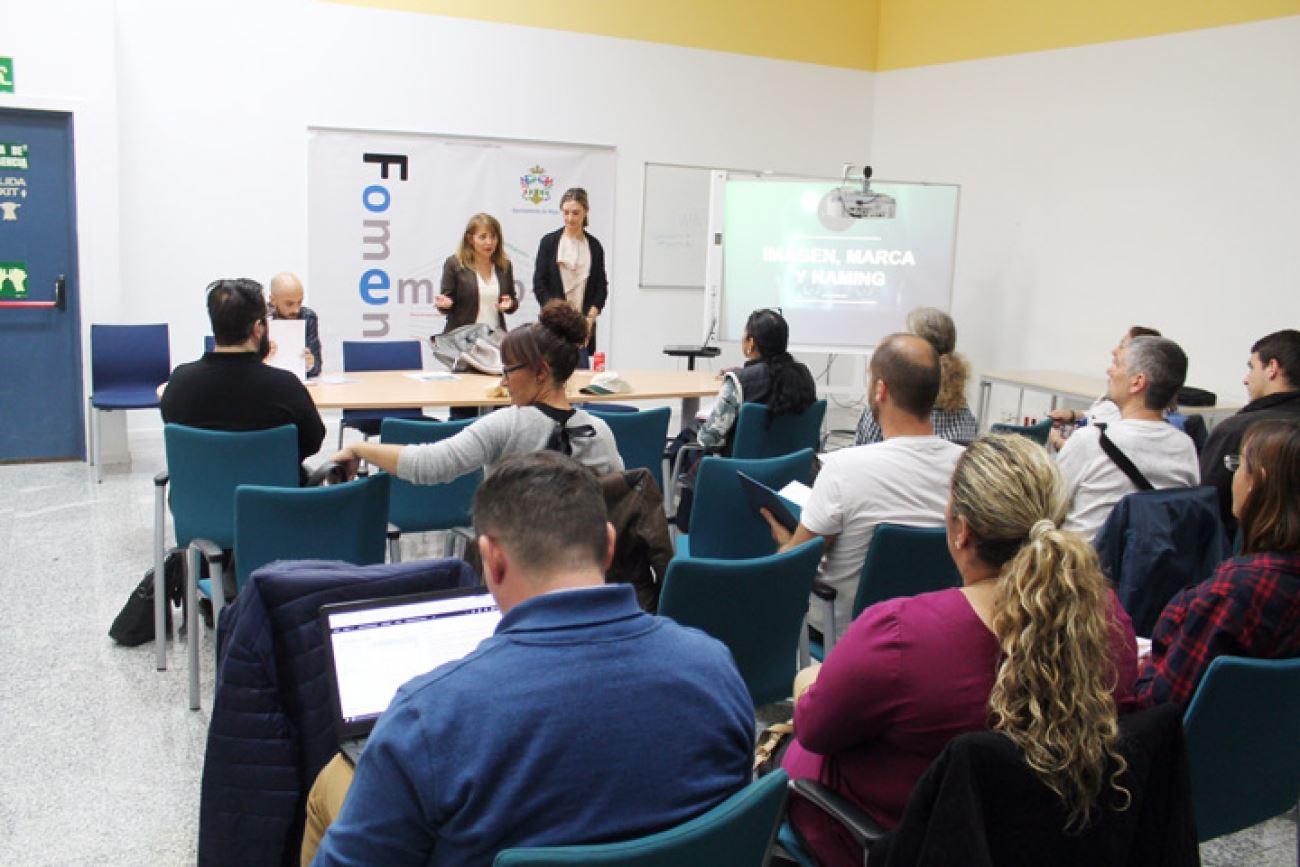 Continúan los talleres gratuitos del programa Mijas Emprendedora ofertados por Fomento del Empleo y AJE Málaga.